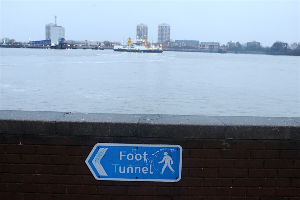 segment21-foottunnel